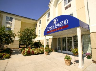 Candlewood Suites Fargo at Ndsu 1 of 8