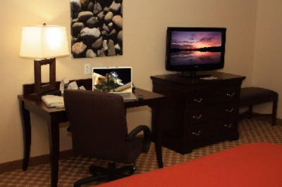 Country Inn & Suites Workstation In Rooms And Suites 7 of 12