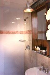 Bathroom 4 of 9