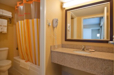 New Bathrooms With Granite Countertops 16 of 26