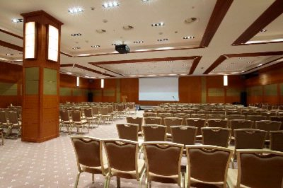 Conference Hall 13 of 25