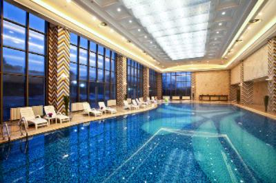 Indoor Swimming Pool 10 of 16