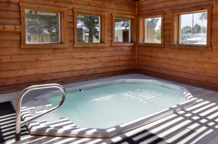 Jacuzzi Spa Tub 6 of 15