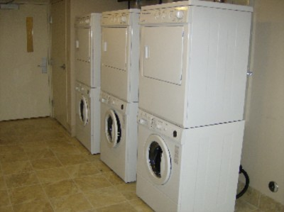 24 Hour Complimentary Guest Laundry Facility 10 of 11