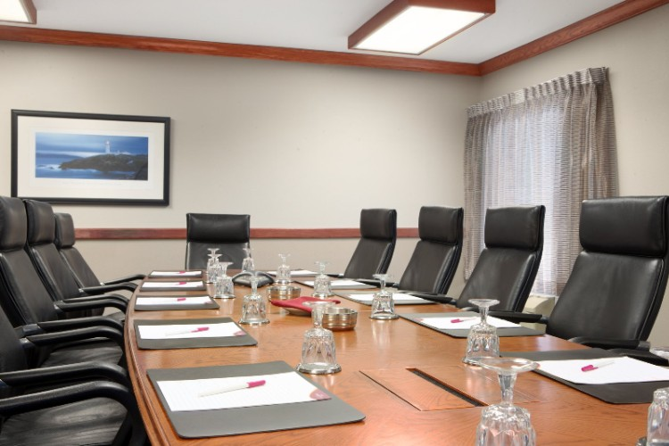 Boardroom And Over 14000 Sq Feet Of Flexible Meeting Space 3 of 16