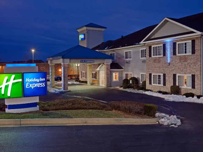 Holiday Inn Express Hendersonville / Flat Rock 1 of 3