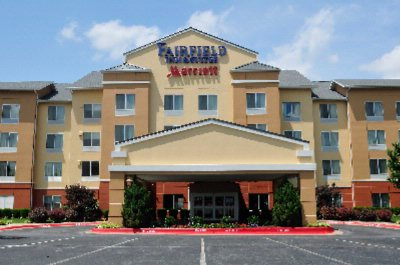 Fairfield Inn & Suites 1 of 18