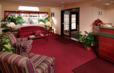 Microtel Inn Lobby 4 of 5