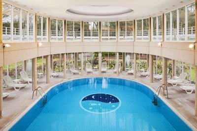 Indoor Swimming Pool 4 of 6