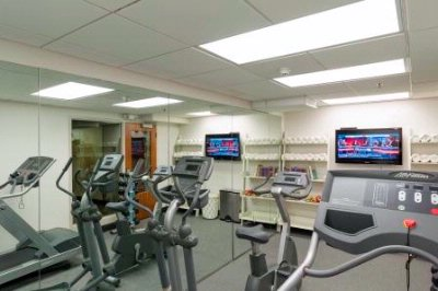 Fitness Center 13 of 14