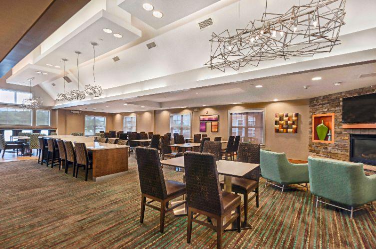 Residence inn by marriott mt laurel at bishop 39 s g for Hotels 08054