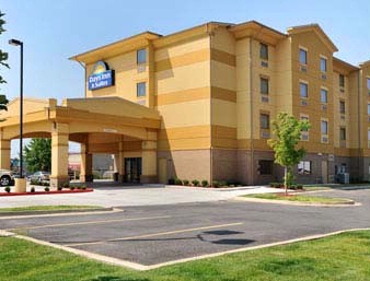 Days Inn & Suites 1 of 8