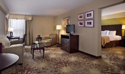 Our Spacious Suites Are Sure To Please! 4 of 12