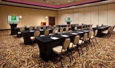 Flexible And Accommodating Meeting Space 6 of 12