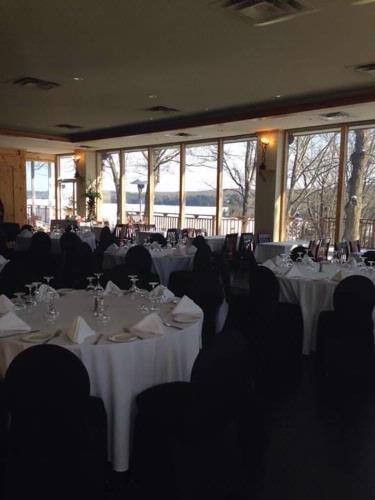 Banquet Room -Breathtaking Views 3 of 9