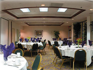 Banquet Room 4 of 8