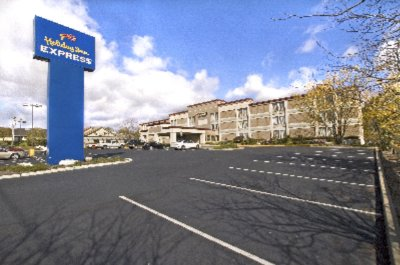Holiday Inn Express Ramsey Mahwah 1 of 7