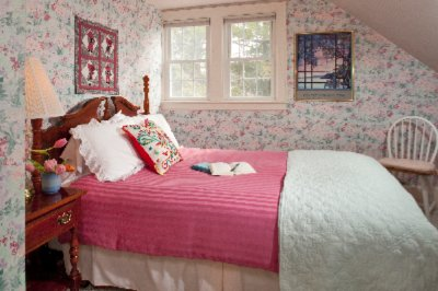 Cottage Pink Bedroom 14 of 16