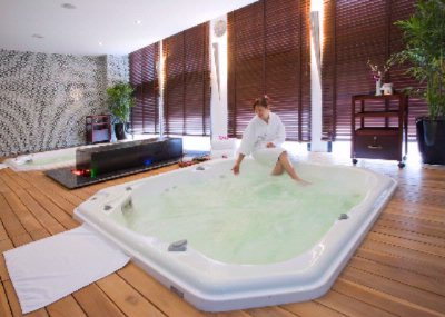 Jacuzzi Facilities 12 of 12