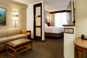 Grand Hyatt Bed -King 12 of 14