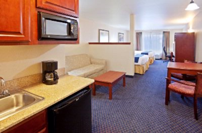 Holiday Inn Express Ellensburg Double Jr. Suite 8 of 8