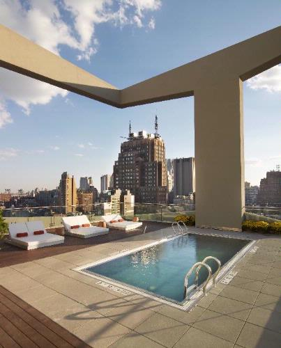 Seasonal Rooftop Pool 13 of 23