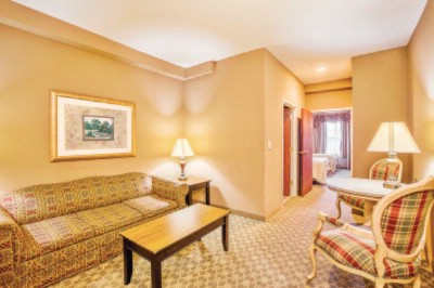 Multiple Suite Style Rooms Available 6 of 9