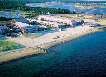 The Oceanfront Riviera Beach Resort Has Its Own Private Beach On The Warm Waters Of Nantucket Sound 2 of 14