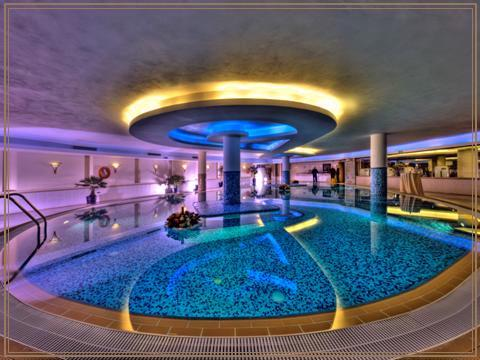 Indoor Pool 13 of 15