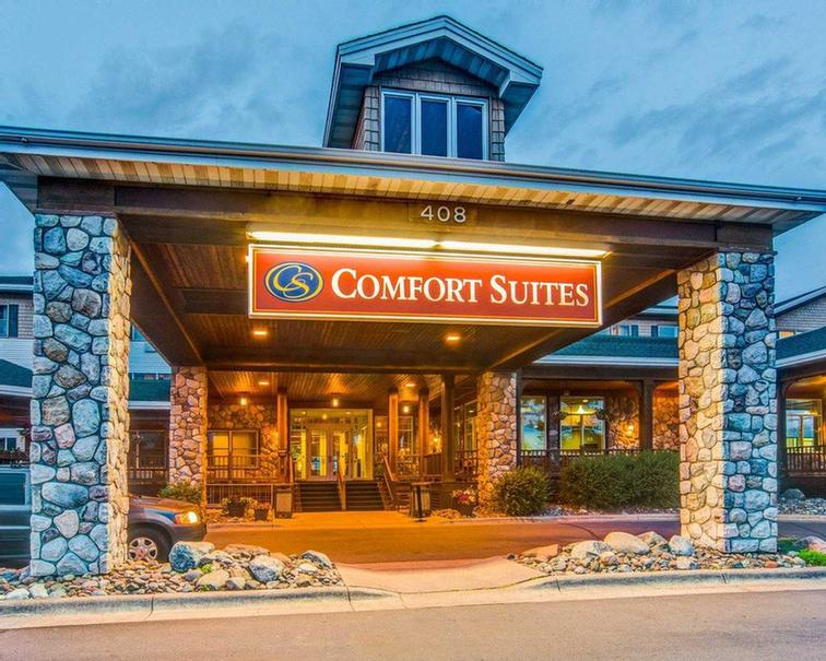 Comfort Suites Canal Park 1 of 10