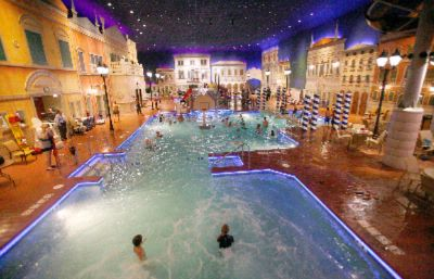 The Venetian Indoor Waterpark In The Holiday Inn Maple Grove 2 of 10