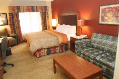 Spacious Well Designed And Comfortable Guest Rooms 7 of 10