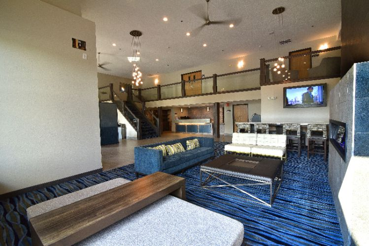 Best Western Flint Airport Inn & Suites 1 of 16
