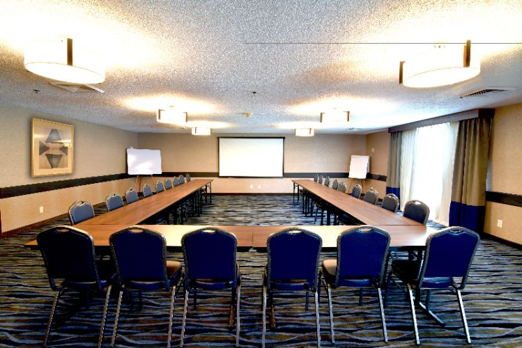 Meeting Room 12 of 16