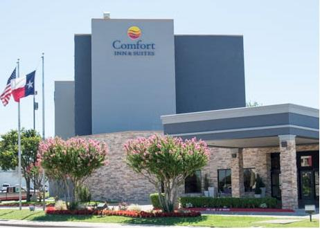 Comfort Inn & Suites Plano East 1 of 18