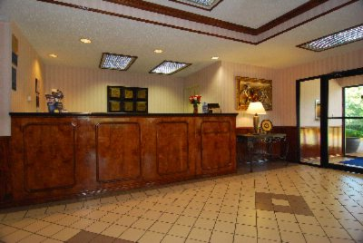 Front Desk 14 of 14