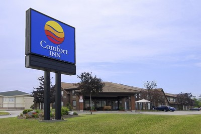Comfort Inn Oshawa 1 of 6