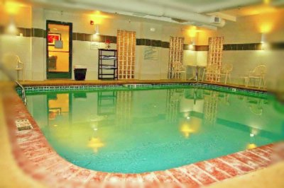 Indoor Heated Pool 4 of 8