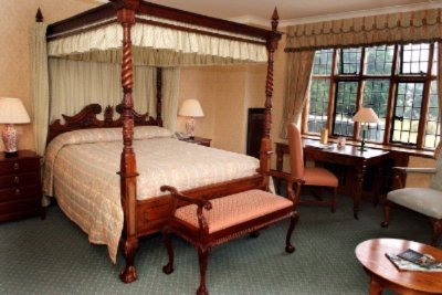 Four Poster Suite 7 of 14