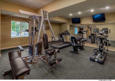 Fitness Room 6 of 13