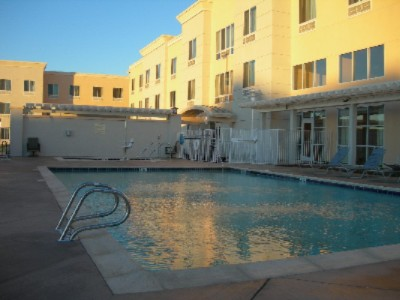 Heated Outdoor Pool And Jacuzzi 5 of 5