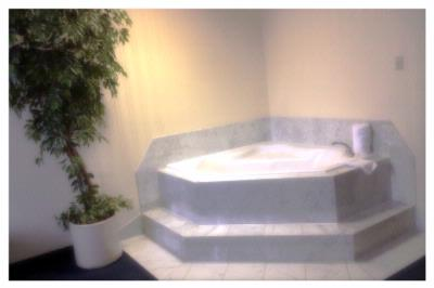 Jaccuzi Suites 9 of 16
