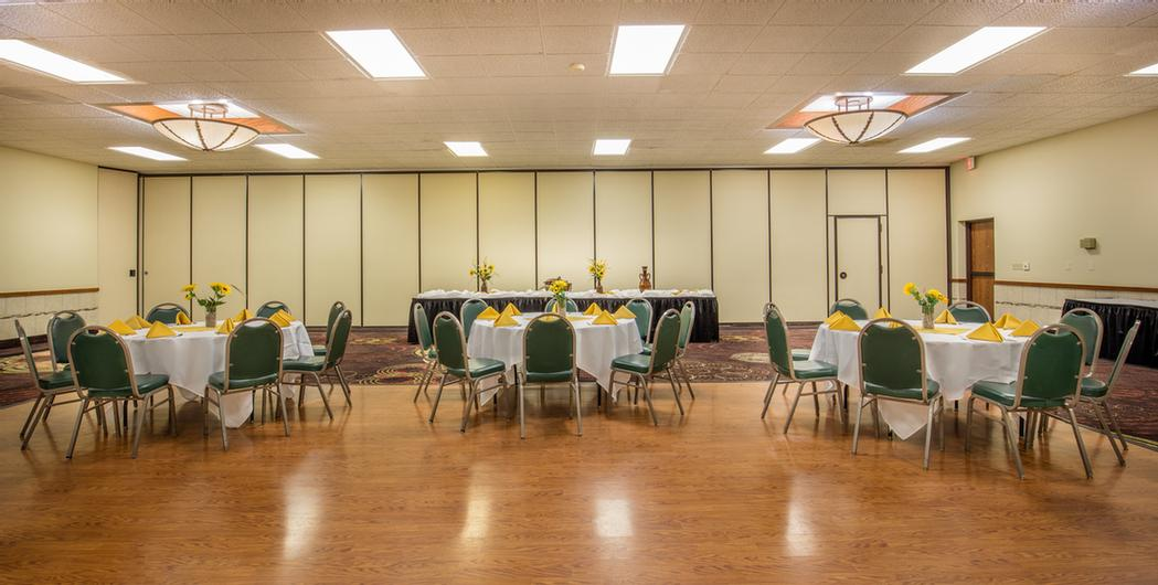Hotels With Meeting Rooms Wichita Ks