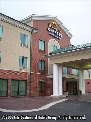 Holiday Inn Express & Suites West Little Rock 1 of 10