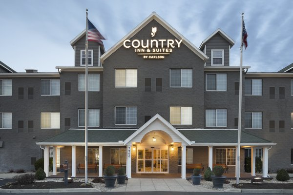 Country Inn & Suites Columbus Airport 1 of 10