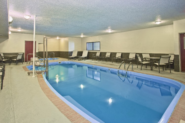 Indoor Pool And Spa 9 of 15