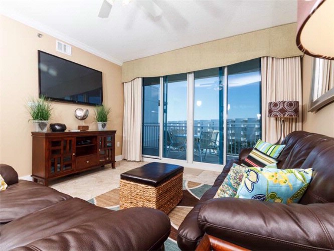 Example Of Waterscape Living Room 8 of 15