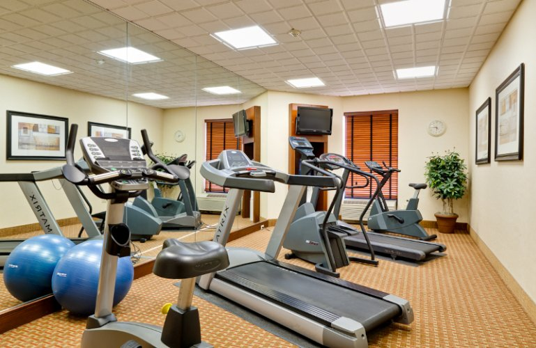 Hotel Fitness Center 10 of 11