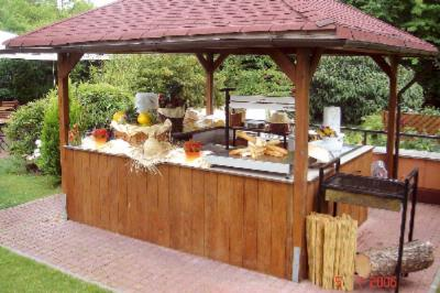 Bbq Station In Garden 16 of 20