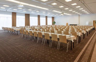 Conference Room Europe 1+2 15 of 17